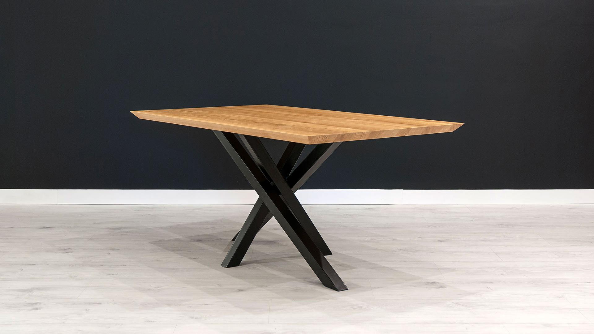 Stół Slant